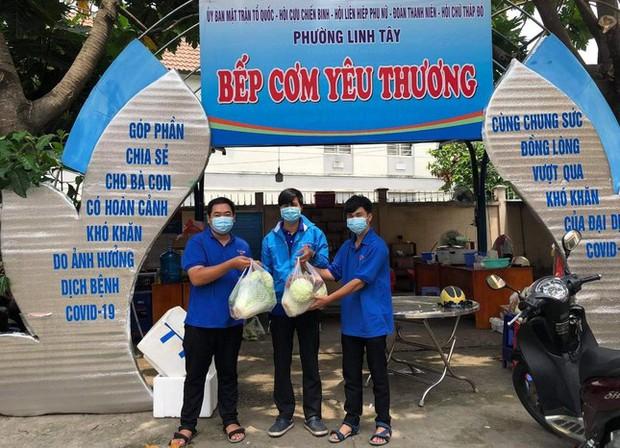 3 tình nguyện viên chống dịch dương tính với SARS-CoV-2 - Ảnh 2.