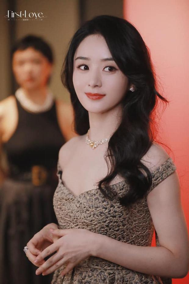 Sự kiện hot nhất hôm nay: Triệu Lệ Dĩnh lộng lẫy như nữ thần, lu mờ cả mỹ nhân Bắc Kinh Cảnh Điềm cùng dàn sao quyền lực - Ảnh 2.