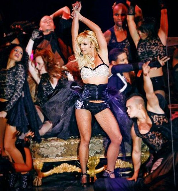Britney Spears cởi áo khoe gần hết vòng 1 lên Instagram, tưởng tượng ngày trở lại sân khấu còn sexy bức người ra sao nữa! - Ảnh 6.