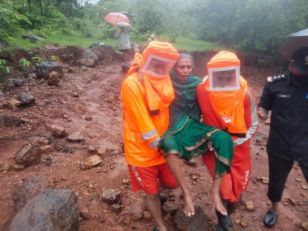 Lũ lụt, lở đất nghiêm trọng ở Ấn Độ khiến 129 người thiệt mạng - Ảnh 3.