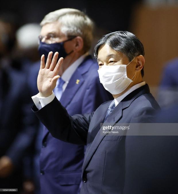 Chỉ đổi 1 từ ở lễ khai mạc Olympic 2020, Nhật hoàng nhận mưa lời khen vì tinh tế - Ảnh 3.