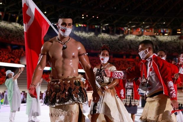 Nam thần bóng nhẫy xứ Tonga và hành trình thoát nhọ khó tin để giành vé tới Olympic - Ảnh 4.