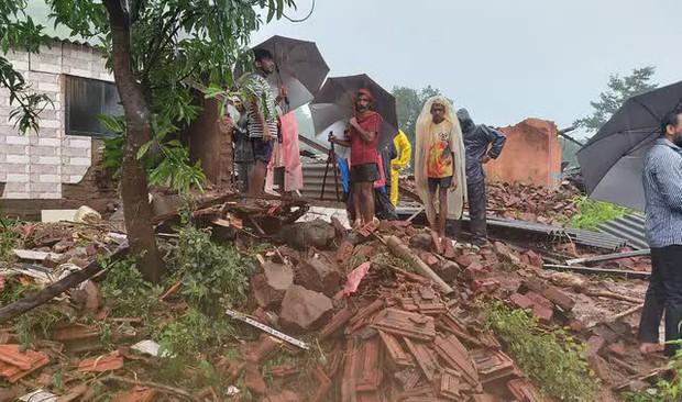 Lũ lụt, lở đất nghiêm trọng ở Ấn Độ khiến 129 người thiệt mạng - Ảnh 8.