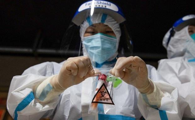 Đang trắng Covid-19, Trung Quốc có ổ dịch mới trở lại, các ca bệnh đều đã tiêm vaccine - Ảnh 1.