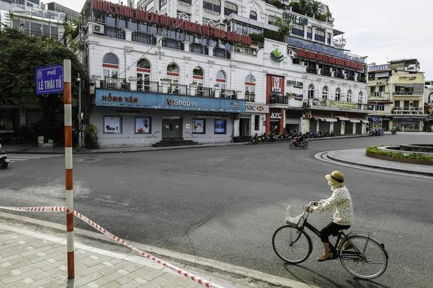 Quán ăn Hà Nội đồng loạt đóng cửa sau chỉ thị 16: Chung tay chống dịch chứ càng bán càng lỗ - Ảnh 7.