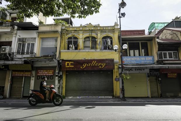 Quán ăn Hà Nội đồng loạt đóng cửa sau chỉ thị 16: Chung tay chống dịch chứ càng bán càng lỗ - Ảnh 8.