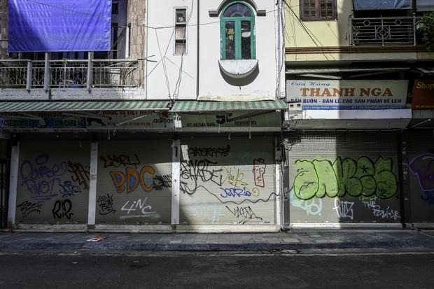 Quán ăn Hà Nội đồng loạt đóng cửa sau chỉ thị 16: Chung tay chống dịch chứ càng bán càng lỗ - Ảnh 13.