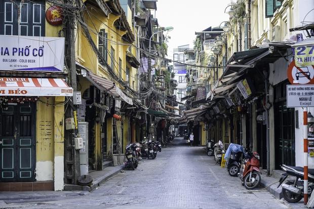 Quán ăn Hà Nội đồng loạt đóng cửa sau chỉ thị 16: Chung tay chống dịch chứ càng bán càng lỗ - Ảnh 9.