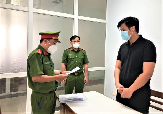 Bắt nhân viên ngân hàng lập khống hồ sơ để lừa đảo chiếm đoạt tiền tỉ của khách - Ảnh 1.