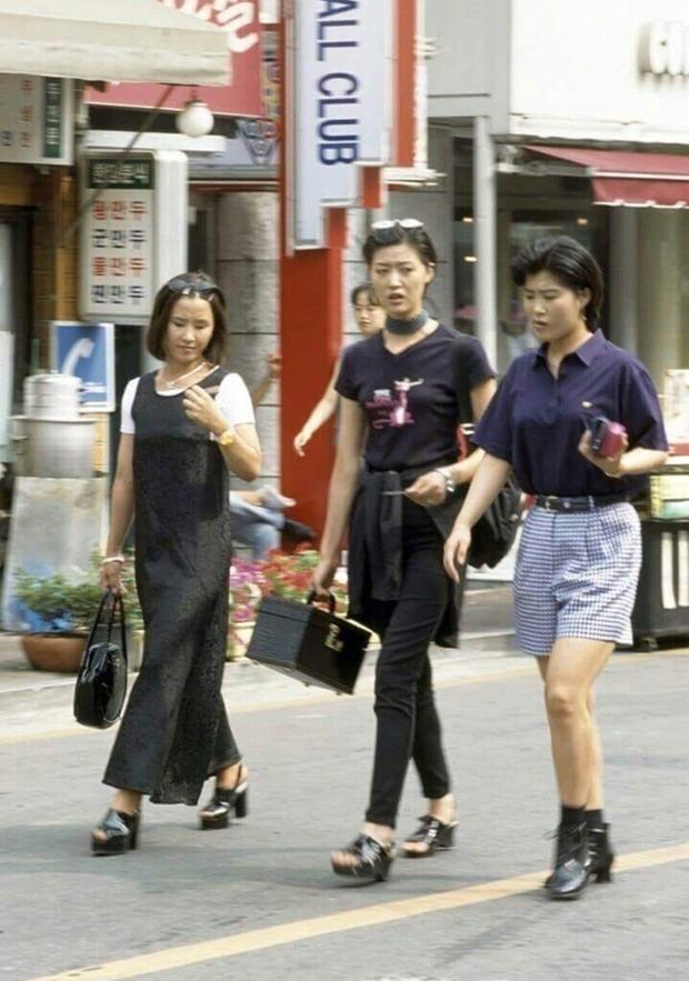Giới trẻ Hàn - Nhật ngày xưa mặc gì? Có xịn như bây giờ không? - Ảnh 2.