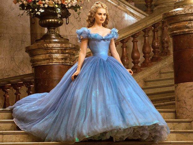 5 bộ váy Lọ Lem kinh điển: Lily James lên đồ như bị tra tấn, Zendaya được hóa phép ngay trên thảm đỏ, bộ váy bình thường nhất lại gây sốt nhất - Ảnh 1.