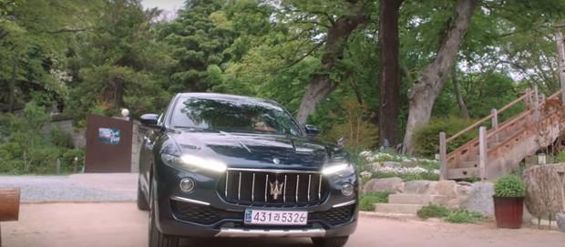 Đừng trách Han So Hee lao đầu vào bad boy Song Kang ở Nevertheless nữa, anh ta có cả xe hơi 6 tỷ cơ mà! - Ảnh 3.