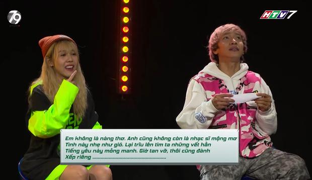 Bắn rap làu làu hit của JustaTee, MCK nhưng Hậu Hoàng lại quên ca khúc của bạn thân JSOL - Ảnh 3.