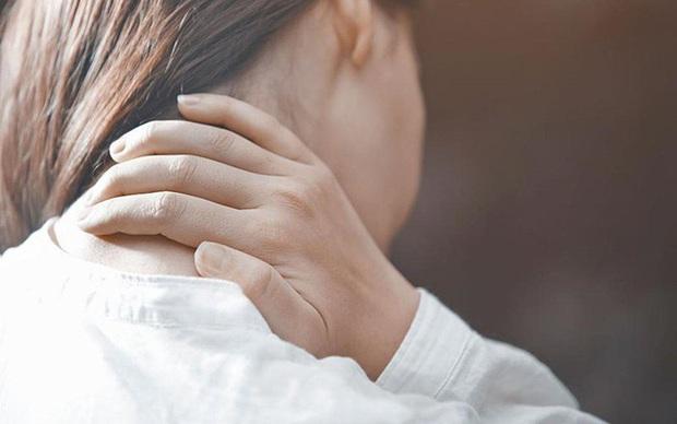 3 dấu hiệu cảnh báo cơ thể đang bị viêm gan, cẩn thận còn là biểu hiện của ung thư gan - Ảnh 3.