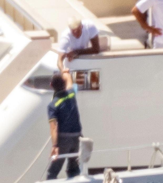 David Beckham bị cảnh sát sờ gáy vì Harper và Cruz, giải quyết tận 45 phút nhưng pha xử lý mới gây bất ngờ - Ảnh 5.