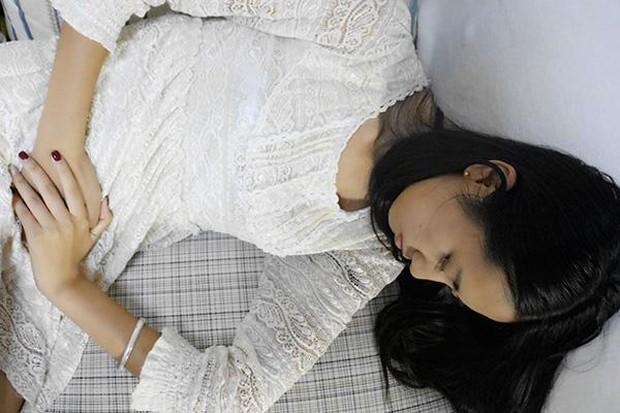 Người phụ nữ 35 tuổi đã mãn kinh, không thể có thai vì 2 thói quen xấu mà nhiều bạn nữ mắc phải - Ảnh 1.