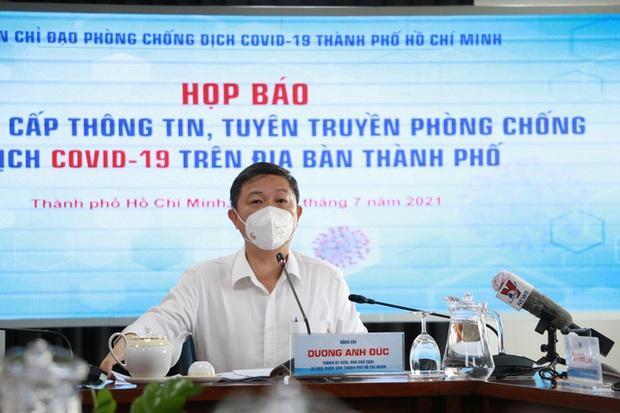 Phó Chủ tịch UBND TP.HCM Dương Anh Đức thông tin về việc tuyển sinh lớp 10  - Ảnh 1.