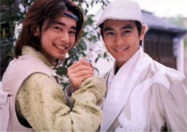 Cbiz có tài tử đẹp trai át cả Lâm Chí Dĩnh nhưng đột ngột mất tích, 20 năm sau quay lại với body phát tướng và cuộc sống bất ngờ - Ảnh 3.