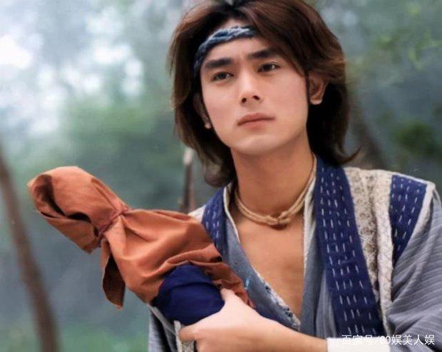 Cbiz có tài tử đẹp trai át cả Lâm Chí Dĩnh nhưng đột ngột mất tích, 20 năm sau quay lại với body phát tướng và cuộc sống bất ngờ - Ảnh 5.