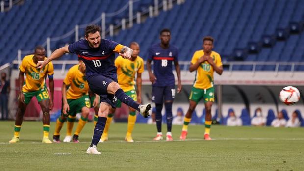 Trận đấu kịch tính nhất Olympic 2020: Đủ drama từ trượt pen, đá hỏng trước khung thành trống, rượt đuổi tỷ số 7 bàn chỉ trong 1 hiệp - Ảnh 3.