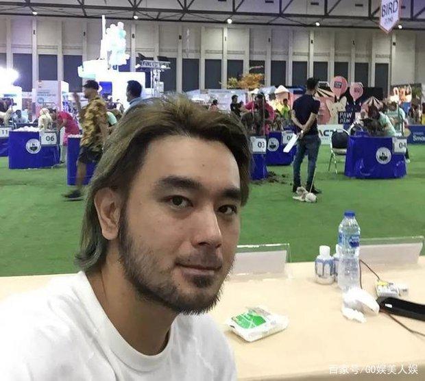 Cbiz có tài tử đẹp trai át cả Lâm Chí Dĩnh nhưng đột ngột mất tích, 20 năm sau quay lại với body phát tướng và cuộc sống bất ngờ - Ảnh 13.