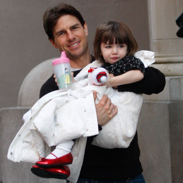 Màn lột xác của 2 ái nữ nhà đôi bạn thân Beckham - Tom Cruise: Suri chân dài gây choáng, thiên thần Harper nay điệu lắm rồi - Ảnh 4.