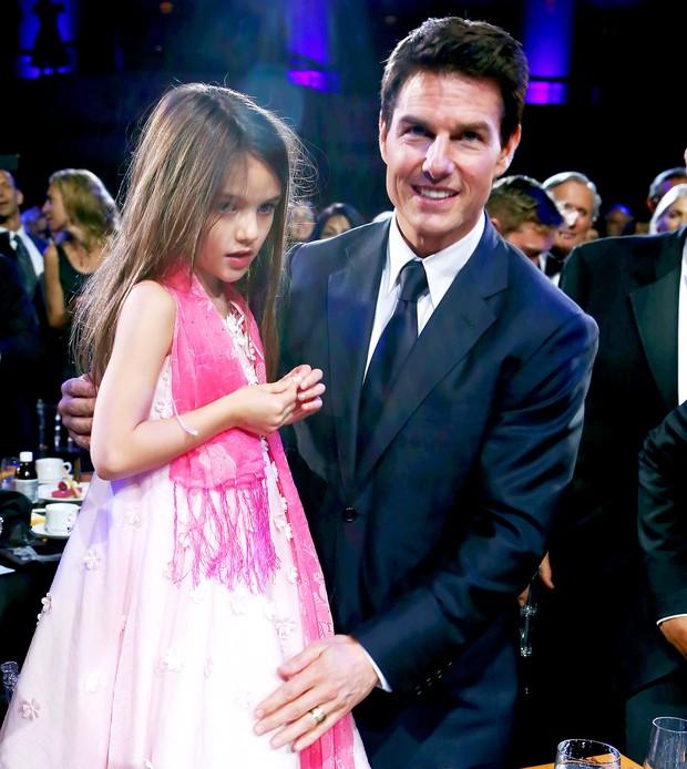 Màn lột xác của 2 ái nữ nhà đôi bạn thân Beckham - Tom Cruise: Suri chân dài gây choáng, thiên thần Harper nay điệu lắm rồi - Ảnh 10.