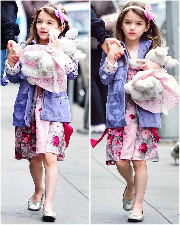 Màn lột xác của 2 ái nữ nhà đôi bạn thân Beckham - Tom Cruise: Suri chân dài gây choáng, thiên thần Harper nay điệu lắm rồi - Ảnh 11.