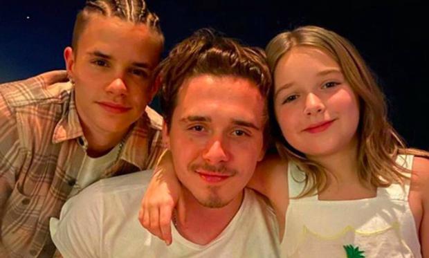 Màn lột xác của 2 ái nữ nhà đôi bạn thân Beckham - Tom Cruise: Suri chân dài gây choáng, thiên thần Harper nay điệu lắm rồi - Ảnh 42.