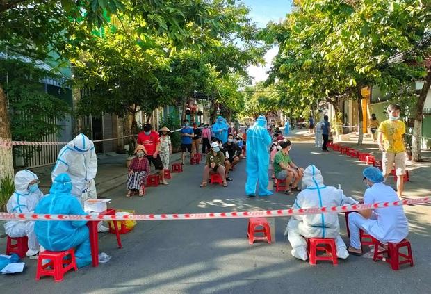Cảng cá Thọ Quang tăng loạt ca nhiễm Covid-19, Đà Nẵng sẽ xét nghiệm diện rộng tất cả chợ trên địa bàn - Ảnh 1.