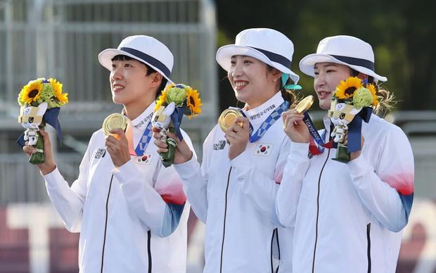 Nhạc BLACKPINK vang lên khi đội tuyển Hàn Quốc giành HCV tại Olympic, hóa ra yêu cầu bật hit của BTS nhưng bị nhầm? - Ảnh 2.