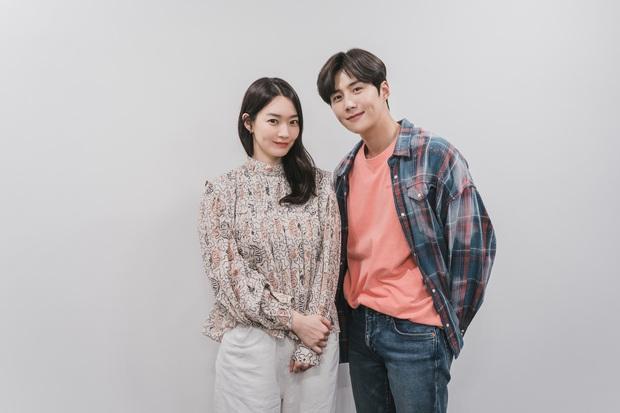 Phim của Kim Seon Ho - Shin Min Ah tung teaser cả một trời nhan sắc, hot nhất là cảnh bé cưng khoe body giữa biển - Ảnh 7.