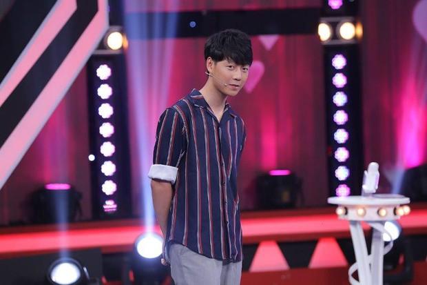 Chàng rể quốc dân từng bị tố nói dối ở show hẹn hò đang thực tập tại Hàn Quốc để làm ca sĩ - Ảnh 1.