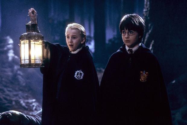 """20 năm rồi mà """"Harry Potter"""" Daniel Radcliffe vẫn bị nam thần Slytherin cà khịa, mối thù 2 nhà lại nhen nhóm! - Ảnh 3."""