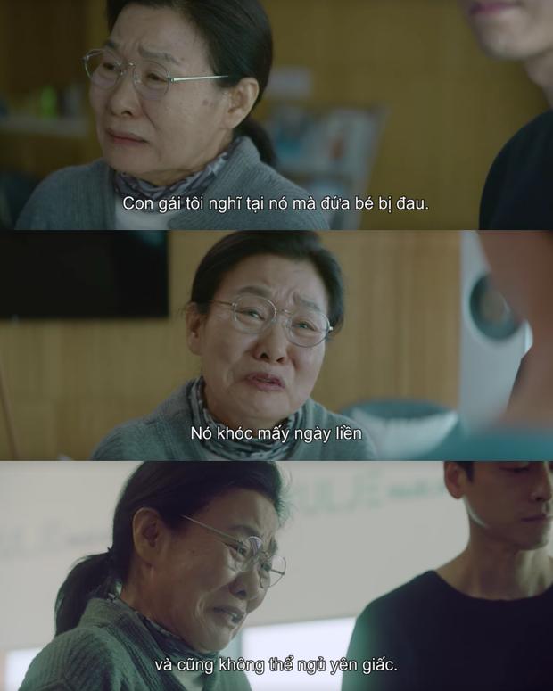Hospital Playlist 2 lại có bà mẹ chồng siêu cay nghiệt khiến sản phụ suy sụp, nhưng bác sĩ Jung Won nói 1 câu là câm nín! - Ảnh 2.