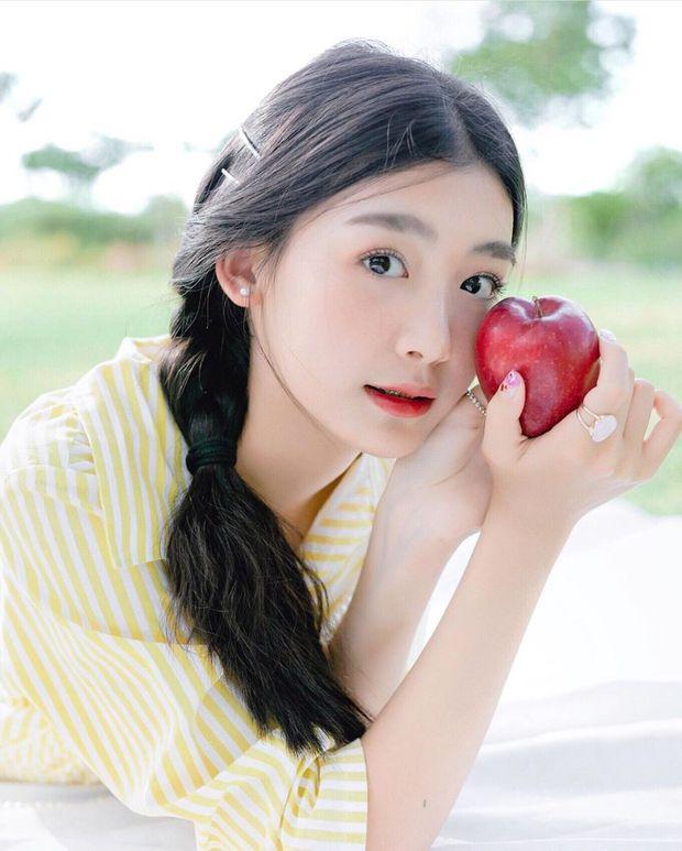Ăn 1 quả táo buổi sáng khi bụng đói giúp thu về 4 lợi ích tốt cho sức khỏe cả trong lẫn ngoài - Ảnh 2.