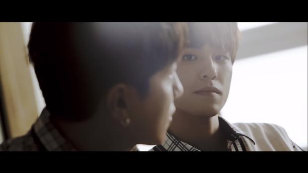 Khi Kpop làm MV về đề tài đồng tính: Nhóm nam khéo léo với chuyện tình buồn, Red Velvet - TWICE lại lộ rõ mồn một - Ảnh 4.
