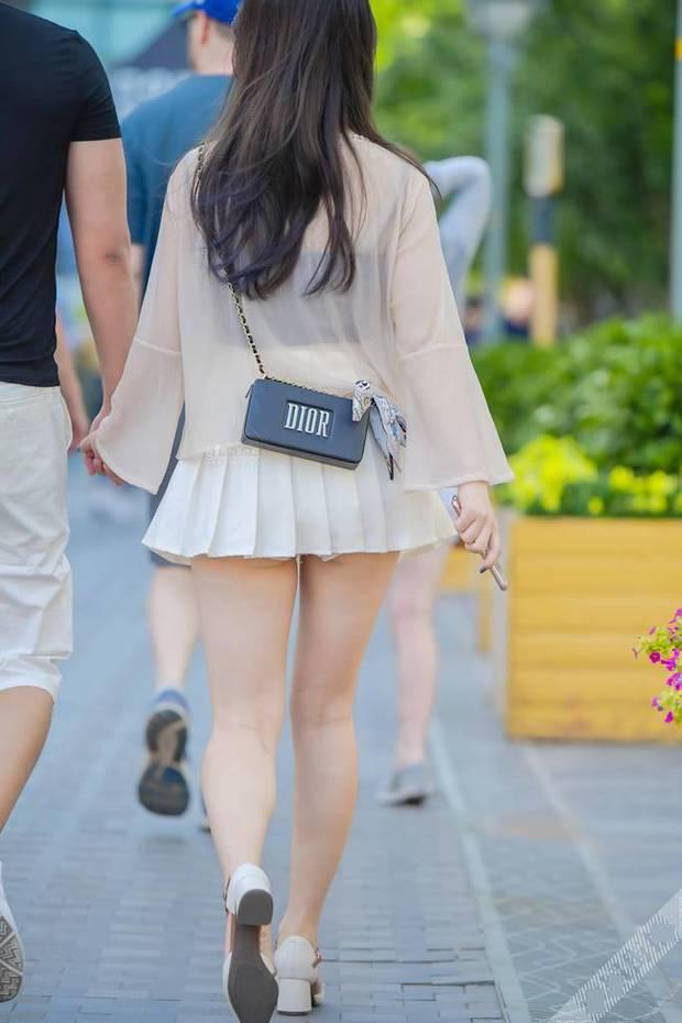 Chân có dài, có đẹp đến mấy mà mặc váy tennis kiểu này thì đố ai dám nhìn các chị em! - Ảnh 3.