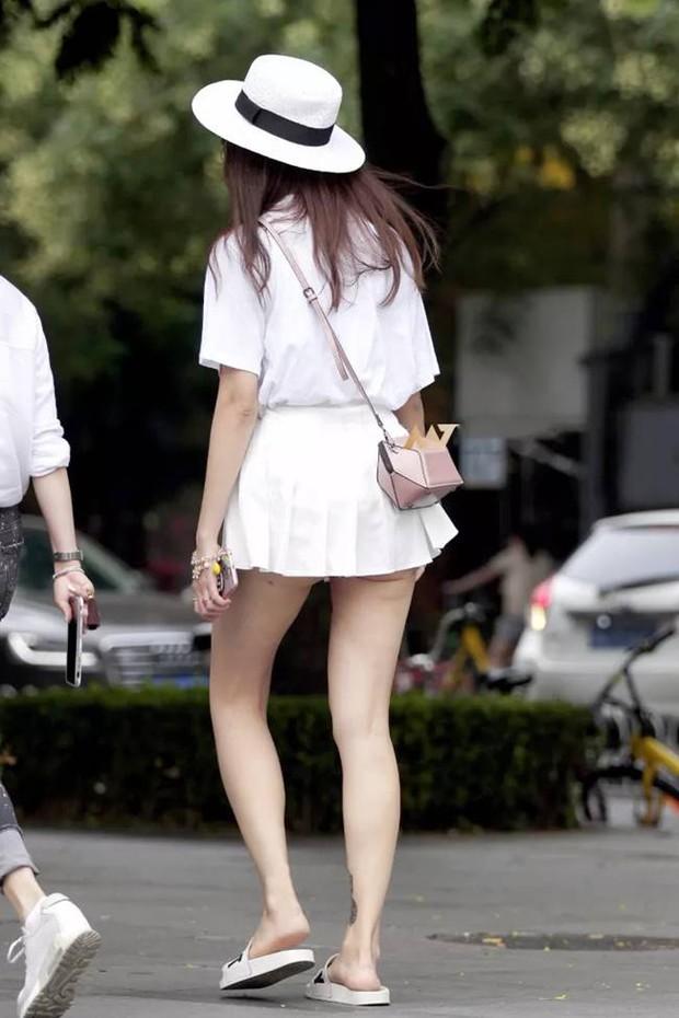 Chân có dài, có đẹp đến mấy mà mặc váy tennis kiểu này thì đố ai dám nhìn các chị em! - Ảnh 5.