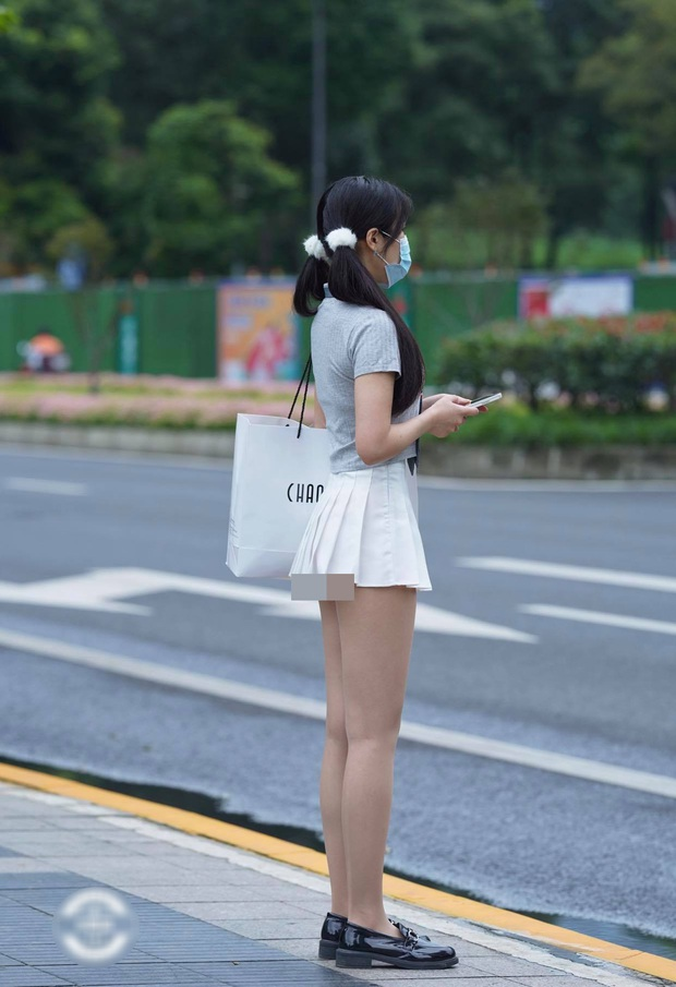 Chân có dài, có đẹp đến mấy mà mặc váy tennis kiểu này thì đố ai dám nhìn các chị em! - Ảnh 1.