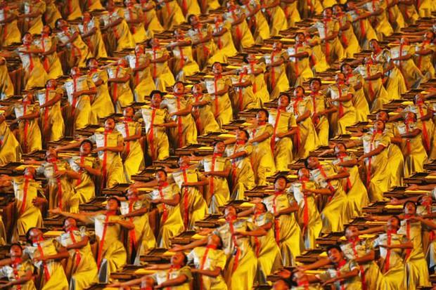 Xem lại màn đánh trống tưng bừng tại khai mạc Olympic Bắc Kinh 2008, cho hỏi Olympic Tokyo 2020 đã biết thế nào là lễ hội chưa? - Ảnh 2.