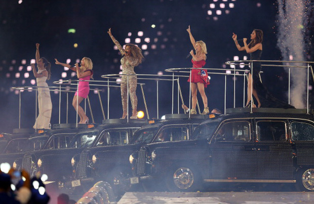 Màn tái hợp của Spice Girls tại Olympic 2012 gây nổ truyền thông là thế nhưng bà xã David Beckham từng không muốn diễn cùng hội chị em? - Ảnh 7.