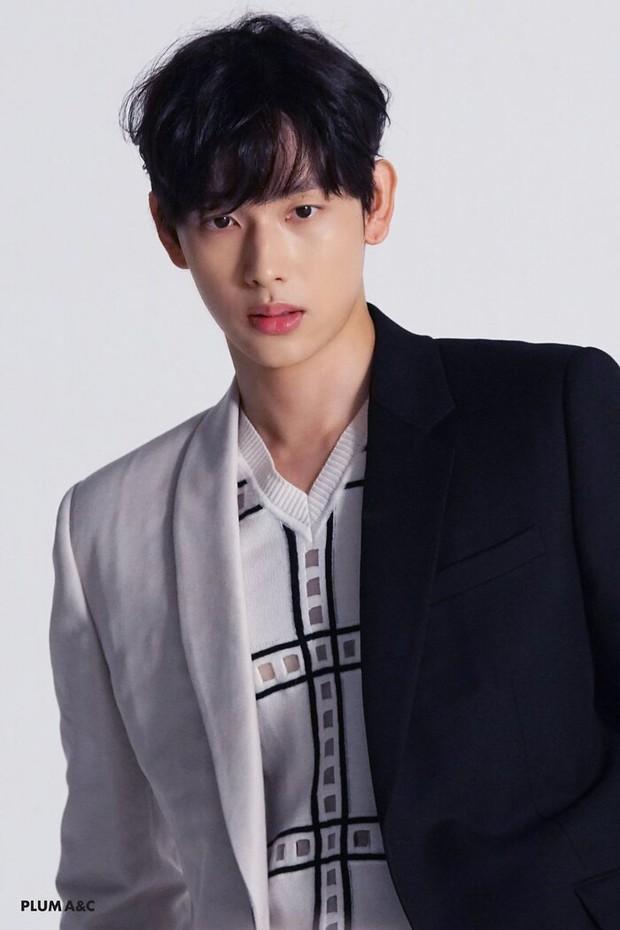 Mỹ nam SHINee đậu Đại học dù đang bận quảng bá Ring Ding Dong; 1 gà nhà JYP còn thuộc top 5% điểm cao nhất cả nước - Ảnh 6.