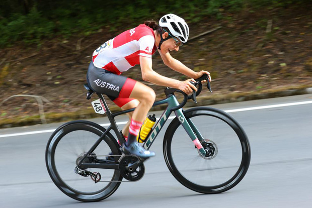 Chân dung khó tin của cô gái giành huy chương vàng đua xe đạp Olympic Tokyo: Tiến sĩ toán đi đua xe và trở thành nhà vô địch tuyệt đối - Ảnh 4.