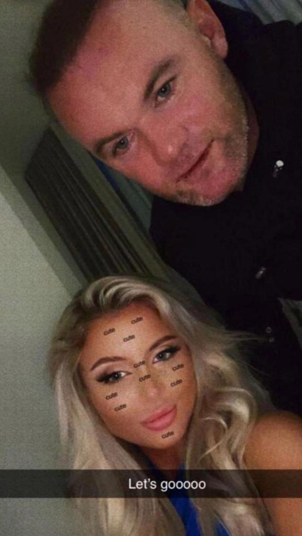 Rooney hoang mang vì bị lộ ảnh thân mật cùng gái lạ trong khách sạn - Ảnh 3.