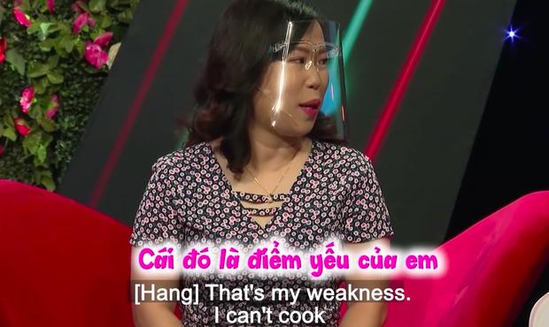 Netizen tranh cãi chuyện người phụ nữ U40 bị từ chối vì không biết nấu ăn: Hari Won cũng bị lôi vào cuộc! - Ảnh 2.