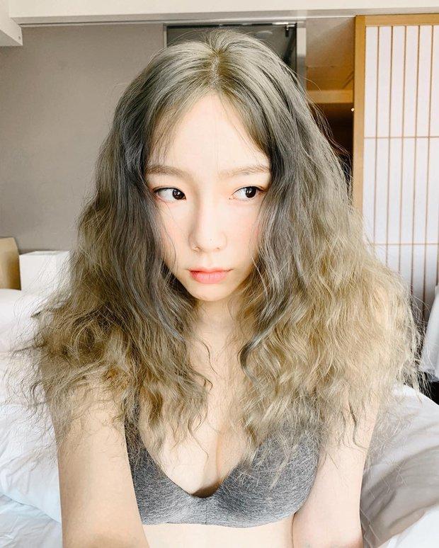 Taeyeon và 5 lần lên đồ trễ nải: 4 hôm nóng bỏng hừng hực nhưng có 1 lần làm netizen sốc tận óc vì hiểu lầm tai hại - Ảnh 2.