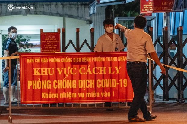 Giám đốc Bệnh viện Phổi Hà Nội: Nguy cơ lúc này rất lớn - Ảnh 1.