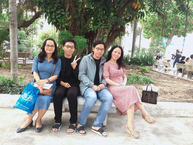 Hai anh em trai sinh đôi tại Khánh Hoà: Một người thủ khoa, một người á khoa khối C toàn quốc - Ảnh 1.