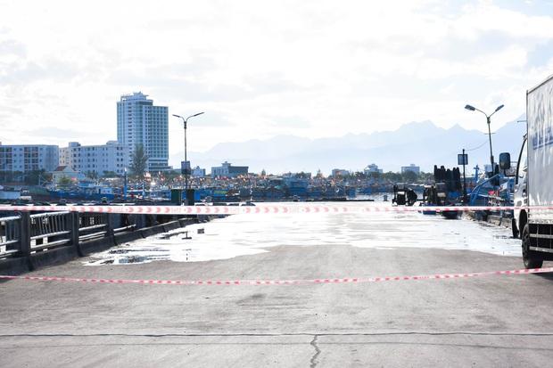 Cảng cá Thọ Quang tăng loạt ca nhiễm Covid-19, Đà Nẵng sẽ xét nghiệm diện rộng tất cả chợ trên địa bàn - Ảnh 2.